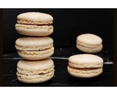 Hazelnut Macarons 16 Pieces Box