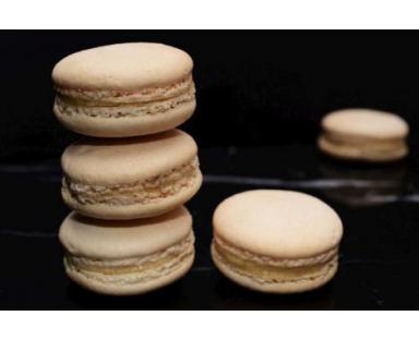 Vanilla Macarons 16 Pieces Box
