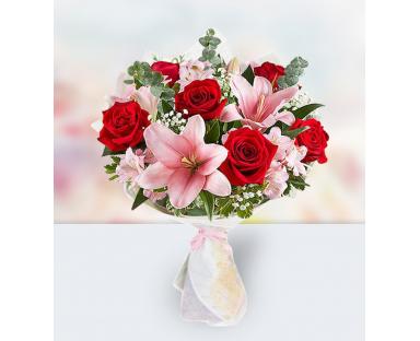 12 Roses 7 Lilies 7 Alstroemerias