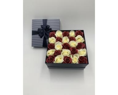 25 Soap Roses in Box