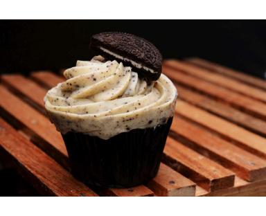 6 Oreo Cupcakes