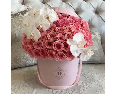 Signature Geraldine Roses With Orchids