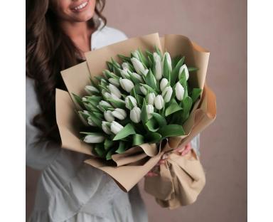 40 White Tulips