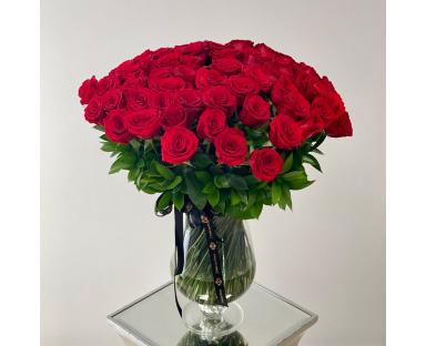 80 Red Roses in Vase