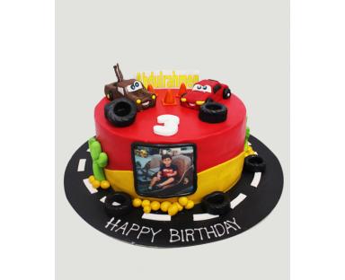 Customized Cake 04