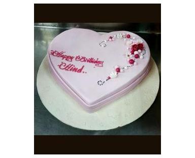 Customized Cake 33