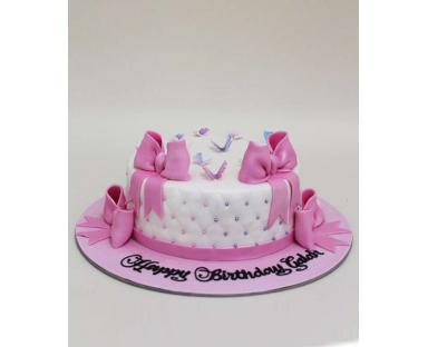 Customized Cake 100