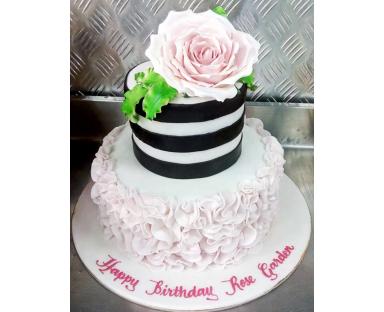 Customized Cake 118