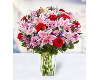 14 Roses 7 Lilies 5 Gerberas 5 Alstroemerias 5 Chrysanthemums