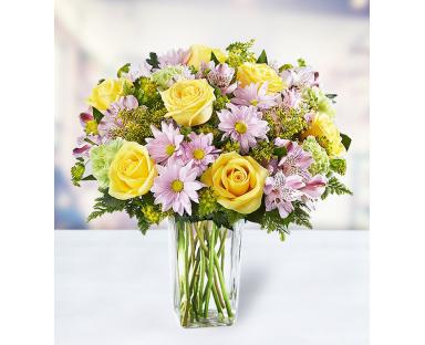 10 Roses 8 Carnations 5 Chrysanthemums 5 Alstroemerias